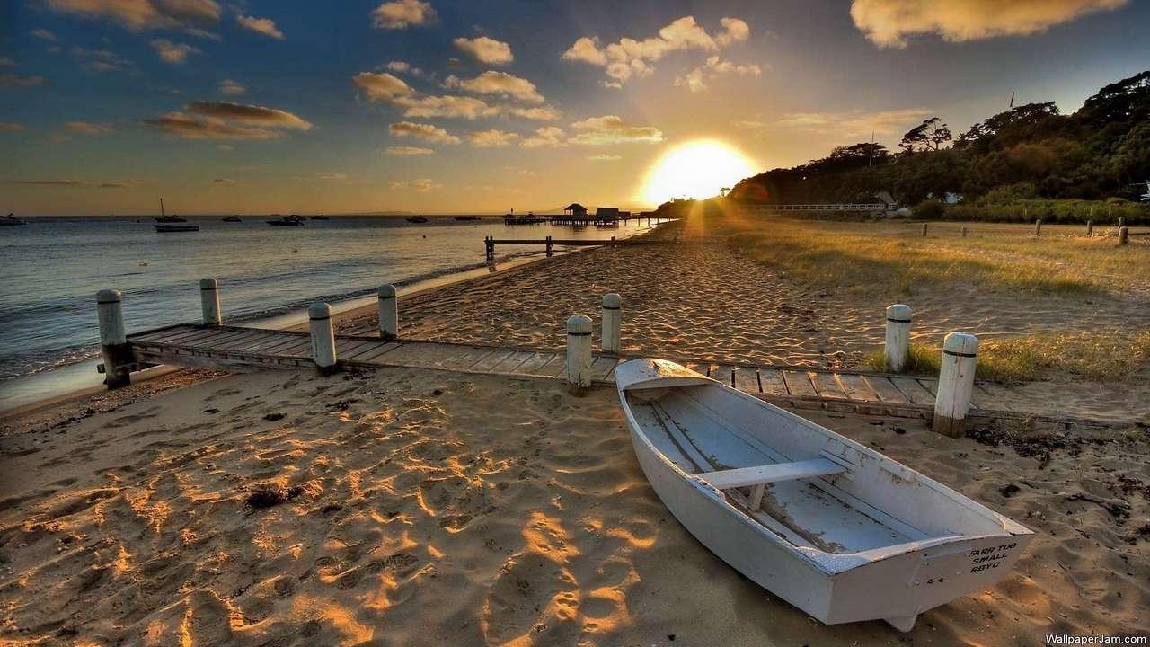 Warm Seas HD Screensaver Image 2